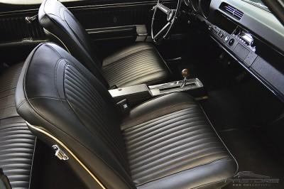 Oldsmobile Cutlass Supreme 1968 (28).JPG