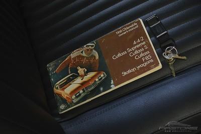 Oldsmobile Cutlass Supreme 1968 (31).JPG