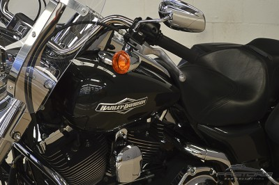 Harley Davidson Road King Custom 2007 (8).JPG