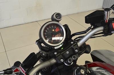 Yamaha VMax 1800 (3).JPG