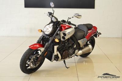 Yamaha VMax 1800 (1).JPG
