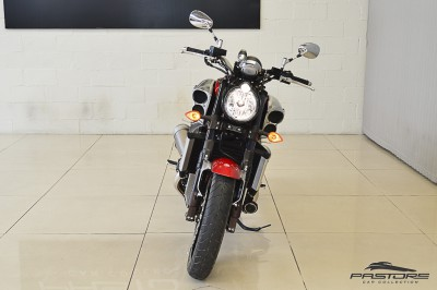Yamaha VMax 1800 (12).JPG
