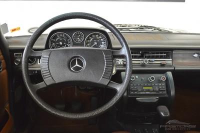 Mercedes-Benz 250C 1972 (18).JPG