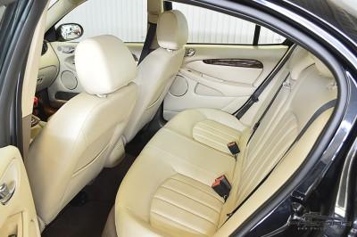 Jaguar XType AWD (16).JPG
