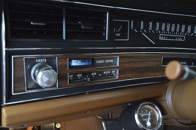 Cadillac Sedan De Ville 1973 (27).JPG
