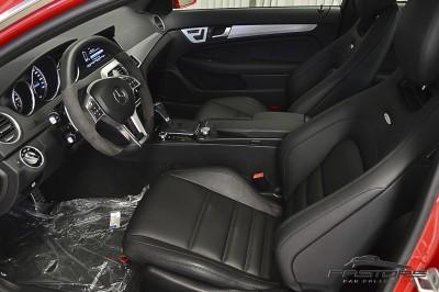 Mercedes-Benz C63 AMG - 2013 (23).JPG