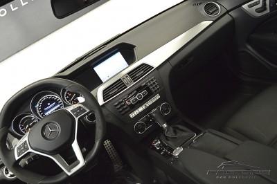 Mercedes-Benz C63 AMG - 2013 (31).JPG