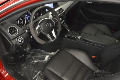 Mercedes-Benz C63 AMG - 2013 (32).JPG