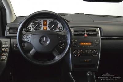 Mercedes-Benz B200 Turbo - 2009 (16).JPG