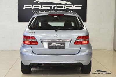 Mercedes-Benz B180 Family Plus 2011 (3).JPG