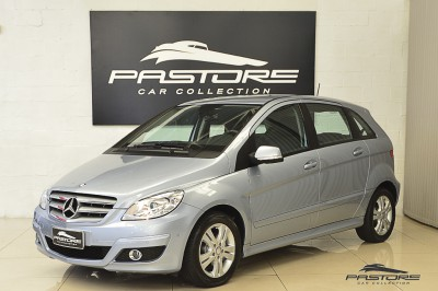 Mercedes-Benz B180 Family Plus 2011 (1).JPG