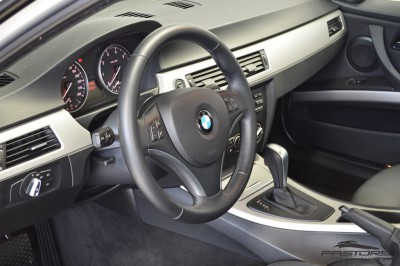 BMW 320i Joy 2010 (12).JPG
