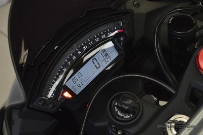 Kawasaki Ninja ZX-10R 2011 (4).JPG