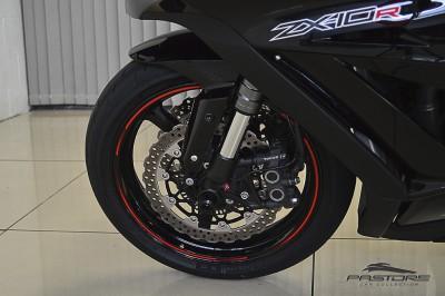 Kawasaki Ninja ZX-10R 2011 (6).JPG
