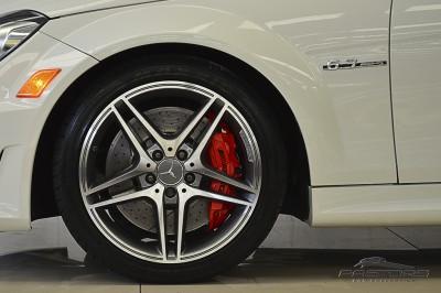 Mercedes-Benz  C63 AMG - 2012 (13).JPG