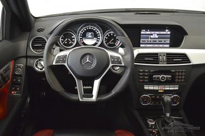 Mercedes-Benz  C63 AMG - 2012 (22).JPG