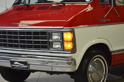 Plymouth Voyager - 1983 (24).JPG
