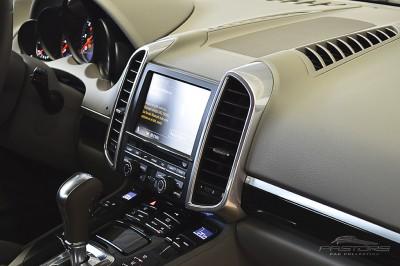 Porsche Cayenne S 2011 (30).JPG