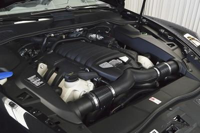 Porsche Cayenne S 2011 (12).JPG