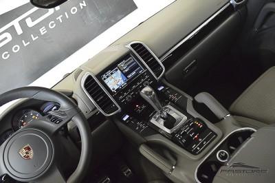Porsche Cayenne S 2011 (27).JPG