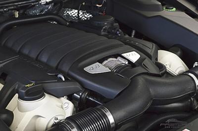 Porsche Cayenne S 2011 (13).JPG