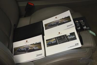 Porsche Cayenne S 2011 (31).JPG