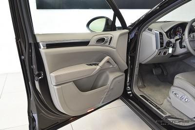 Porsche Cayenne S 2011 (24).JPG
