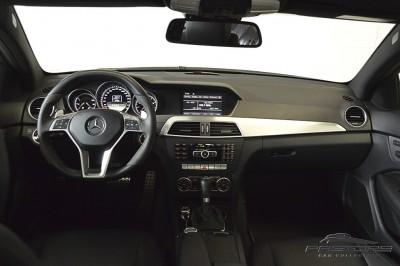 Mercedes-Benz C63 AMG - 2012 (5).JPG