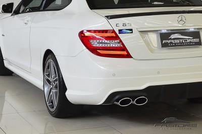Mercedes-Benz C63 AMG - 2012 (16).JPG