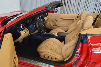 Ferrari Califórnia 4.3 V8 - 2012 (31).JPG