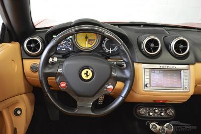 Ferrari Califórnia 4.3 V8 - 2012 (33).JPG