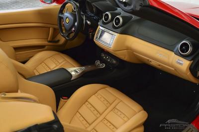 Ferrari Califórnia 4.3 V8 - 2012 (40).JPG