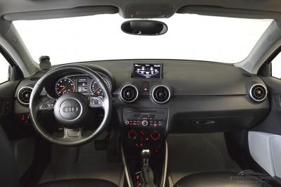 Audi A1 1.4 TFSI - 2011 (5).JPG