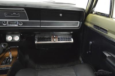Dodge Dart GTS - 1968 (36).JPG
