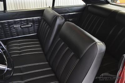 Dodge Dart Gran Coupê (37).JPG