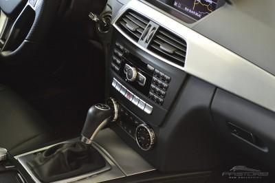Mercedes-Benz C250 Turbo Sport - 2014 (30).JPG