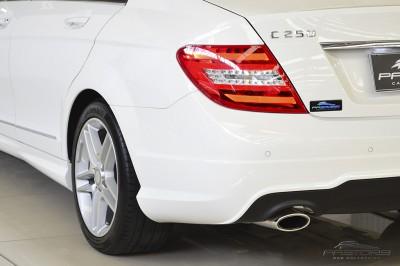 Mercedes-Benz C250 Turbo Sport - 2014 (14).JPG