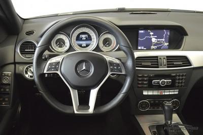 Mercedes-Benz C250 Turbo Sport - 2014 (22).JPG