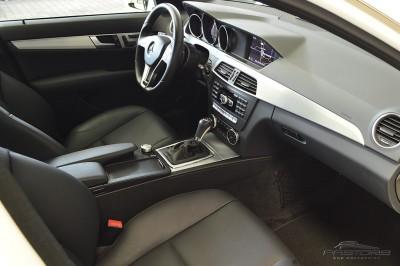 Mercedes-Benz C250 Turbo Sport - 2014 (29).JPG
