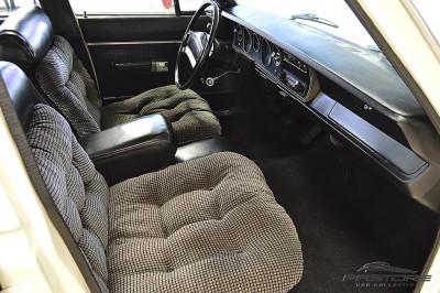 Dodge Le Baron (21).JPG