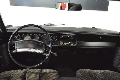 Dodge Le Baron (5).JPG