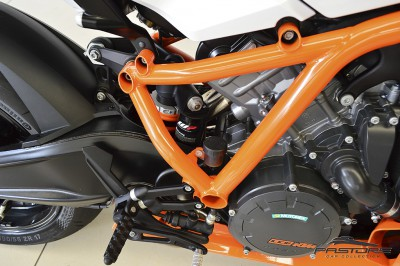 KTM RC8 1190R - 2014 (17).JPG
