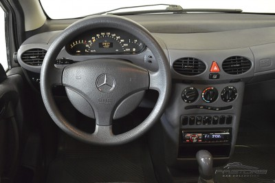 Mercedes-Benz A160 - 2005 (16).JPG