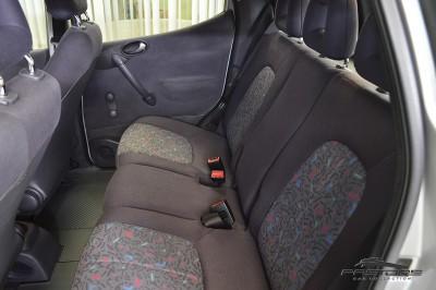 Mercedes-Benz A160 - 2005 (14).JPG