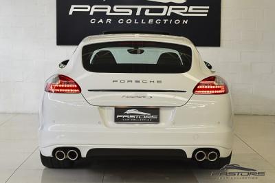 Porsche Panamera S - 2011 (3).JPG