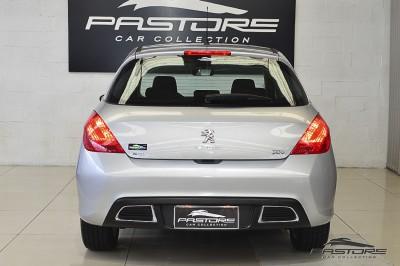 Peugeot 308 Active - 2014 (3).JPG