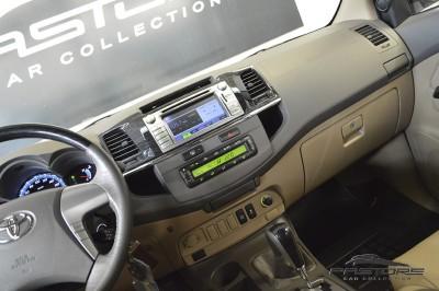 Toyota Hilux SW4 SRV - 2013 (17).JPG