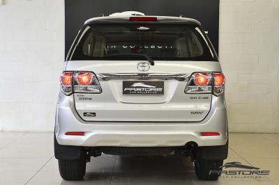 Toyota Hilux SW4 SRV - 2013 (3).JPG