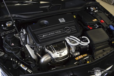 Mercedes-Benz A45 AMG - 2014 (15).JPG