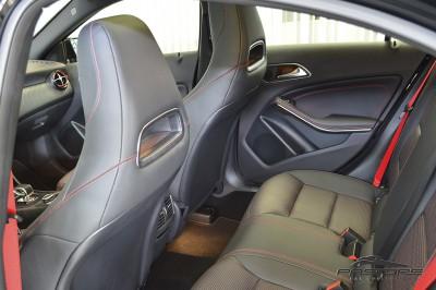 Mercedes-Benz A45 AMG - 2014 (29).JPG